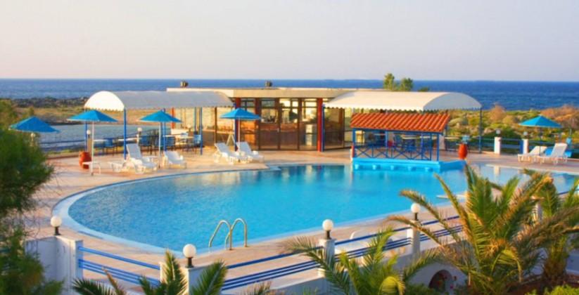 chania-hotels-pool-01