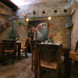 To Pigadi - The well - Restaurant - Old Venetian Town - Rethymno - Crete